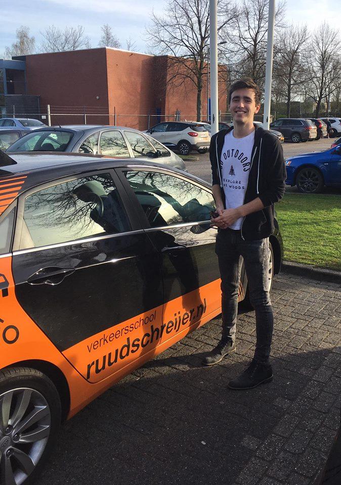 Floris Siks, rijles Hoorn, rijschool Hoorn, rijbewijs halen Hoorn, Ruud Schreijer.